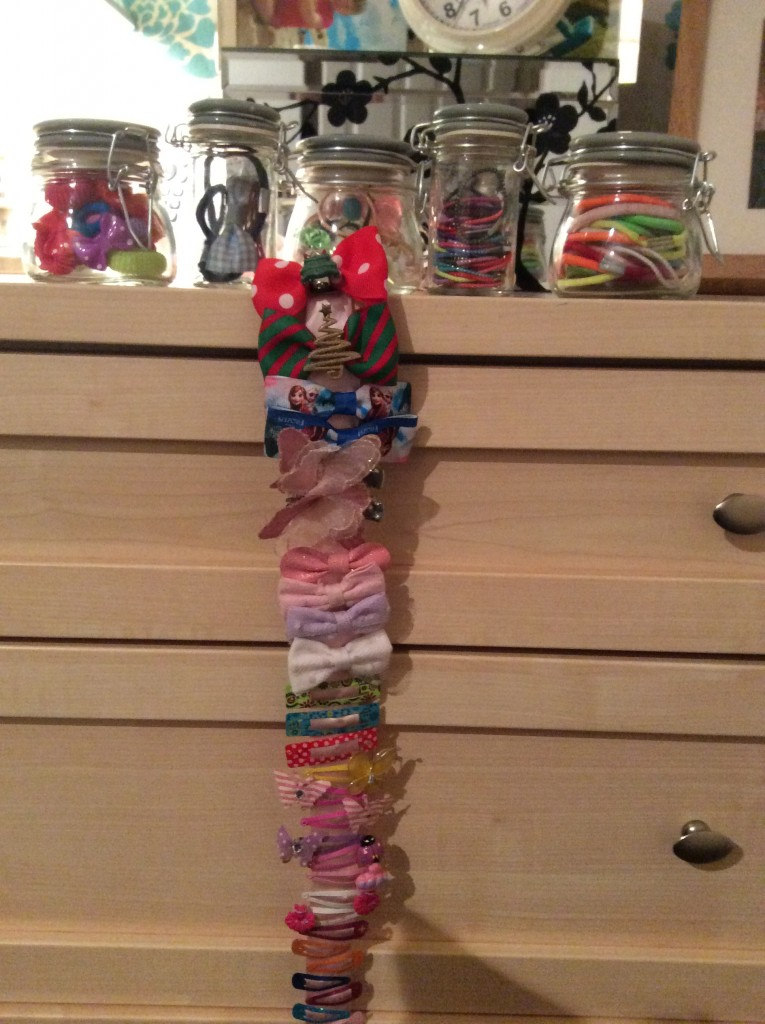 How to organise girls hair bands and clips quickly and easily