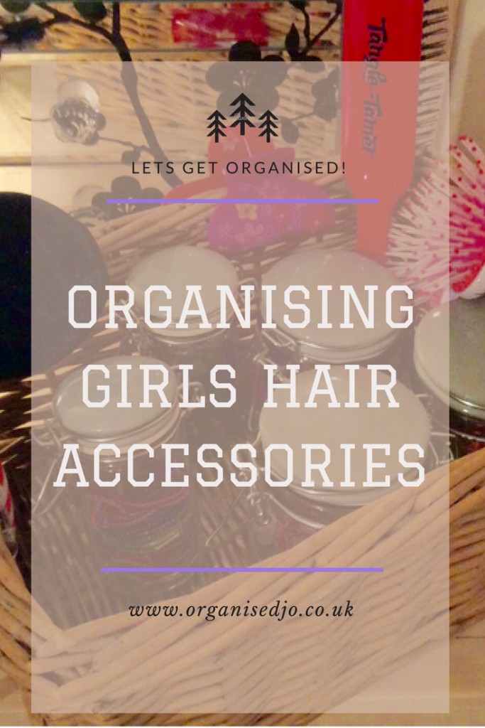 Are you looking for an idea to organise girls accessories? Then this quick and simple idea of sorting hair bands and clips is for you.