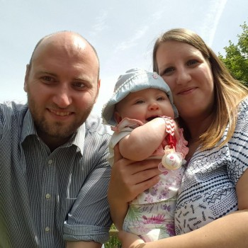 Welcome to this weeks Meet the Working Mum Interview. Today we meet Lyndsey O'Halloran